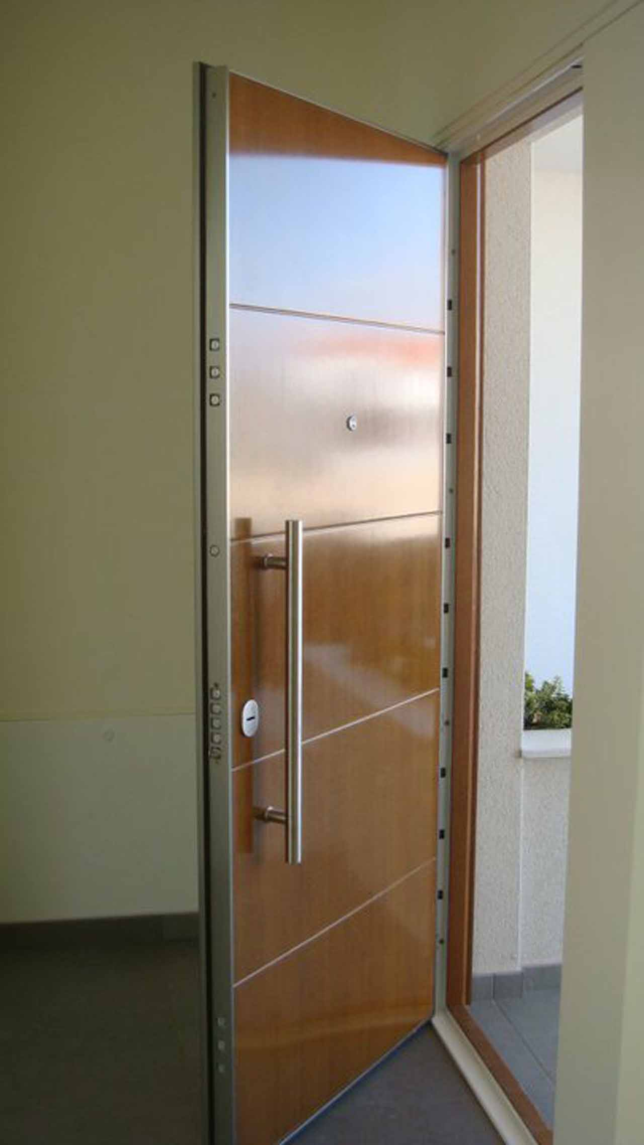Puertas acorazadas madrid Puerta insonorizada precio